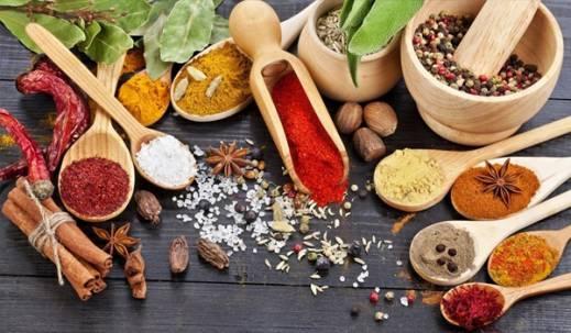 بهترین گیاهان دارویی و ادویه جات برای سلامت و زیبایی پوست