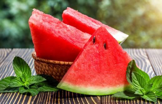 خواص مفید و زیاد هندوانه برای بدن