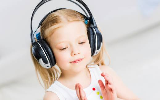 آشنا کردن کودکان با موسیقی